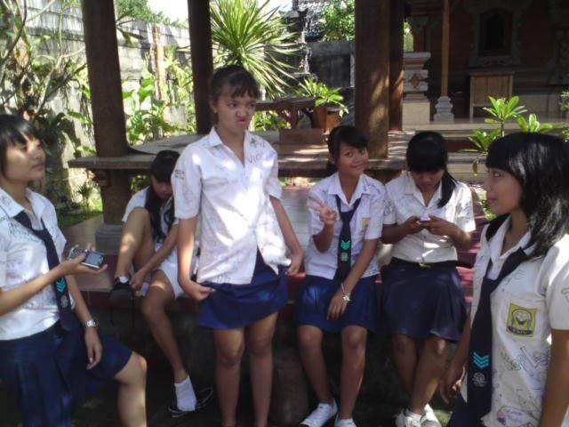 Kelakuan ABG SMP Yang Lagi Belajar Foto Bugil