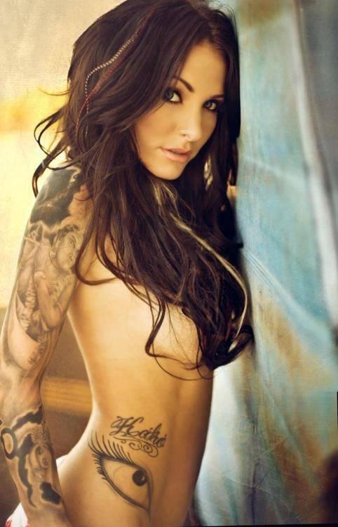 dziewczyny z tatuażem 30