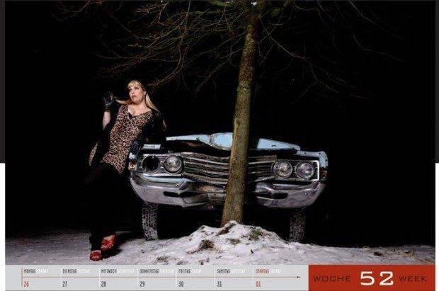 Dziewczyny i legendarne auta USA w jednym kalendarzu :) 25