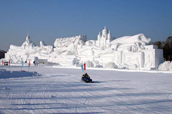 Rzeźby w śniegu 7