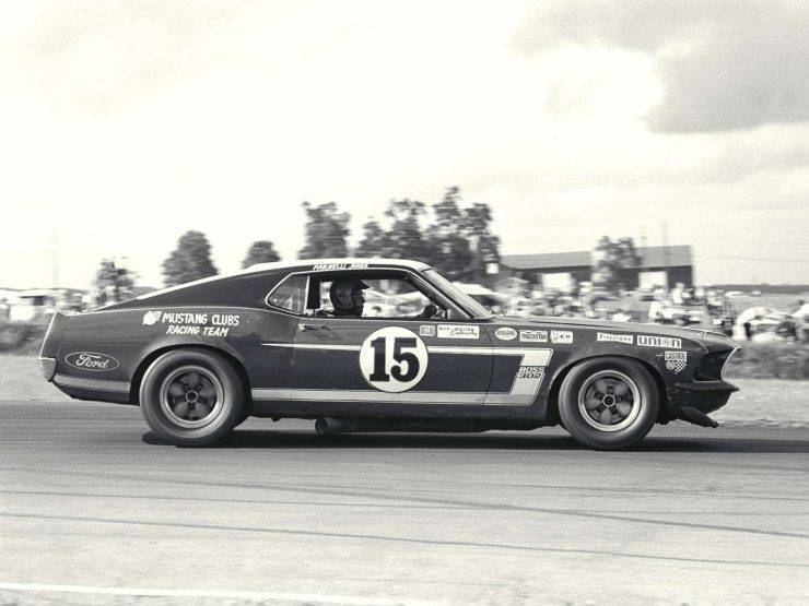 Ford Mustang 27