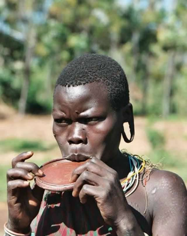 Piercing po afrykańsku 10