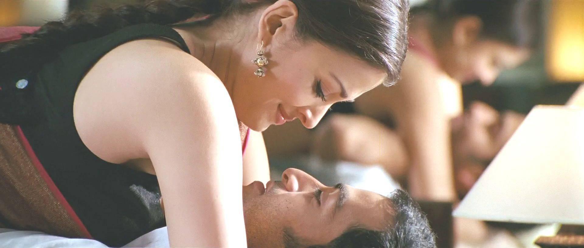 11 лучших порно видео с Priya Anjali Rai.