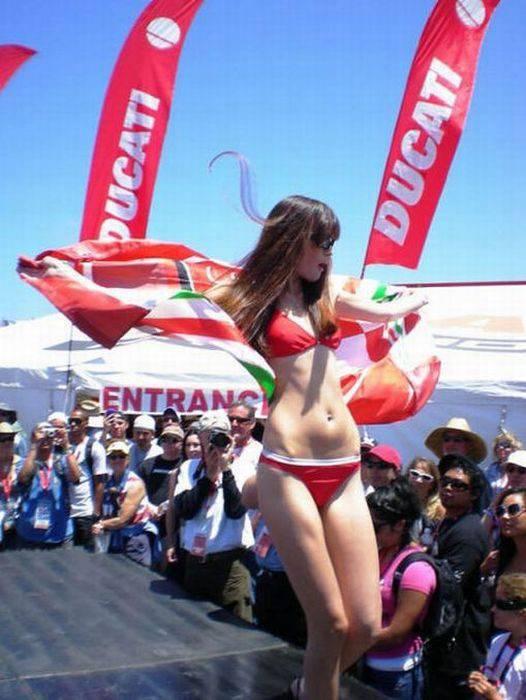Dziewczyny Ducati 11