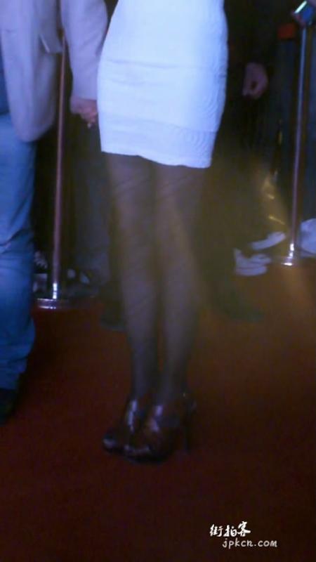 气质少妇黑丝长腿,绝对诱惑