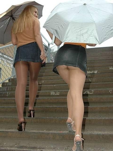 Секс подглядывание под юбкой на Rusups.net.