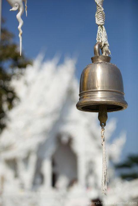 Biała świątynia Wat Rong Khun 29