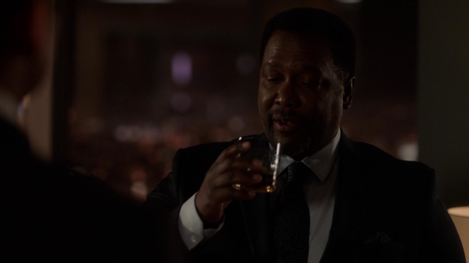 Suits S08E03 Promises Promises 1080p NF WEB-DL DDP5 1 x264-NTb
