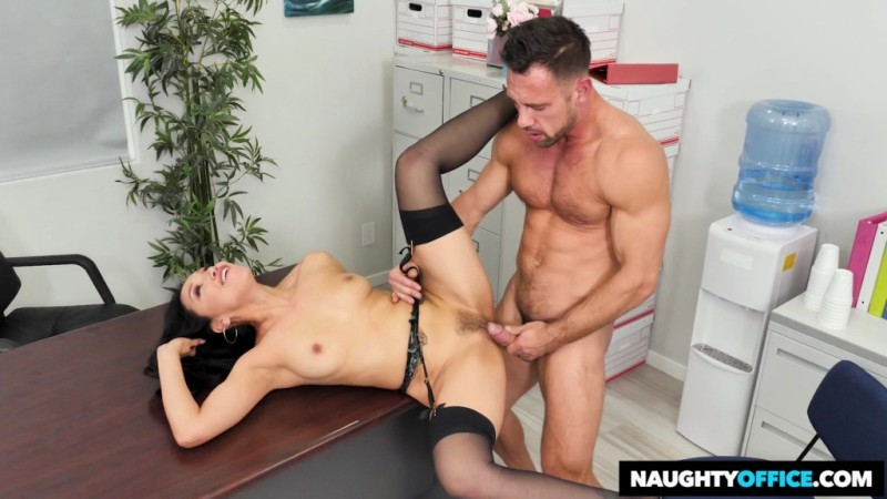 Naughty Office  - Vicki Chase - Vicki Chase Fucks Her Coworker - 24899 - 2018-11-26 -1080p Free Download From pornparadise.org
