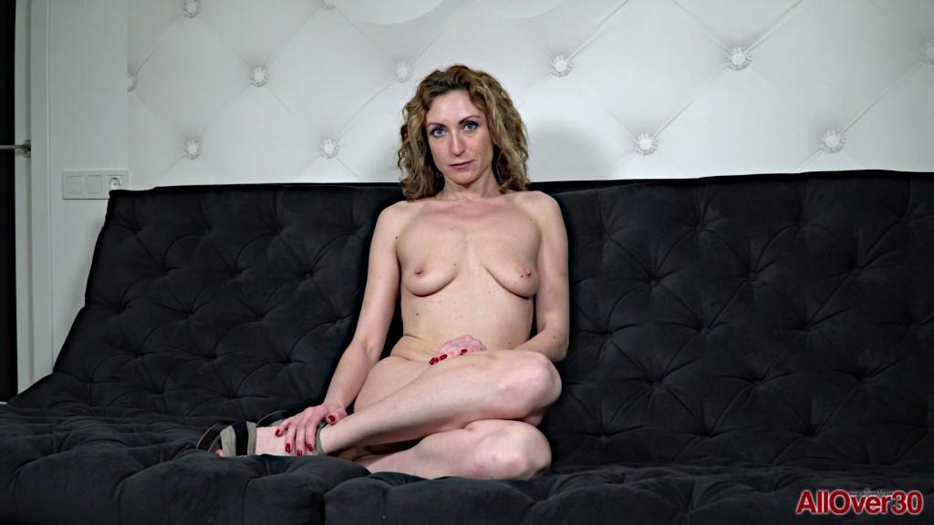 AllOver30 19 11 27 Julia North Interview XXX 1080p MP4-KTR